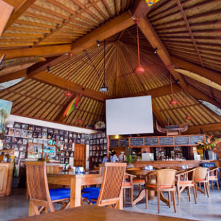 balcony restaurant4